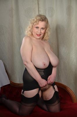 mature-erotic-busty-blonde-milf