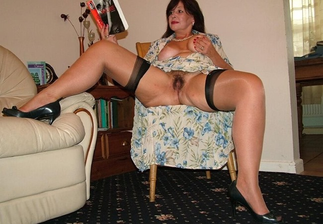 Mature Erotic Tanya pleasing herself