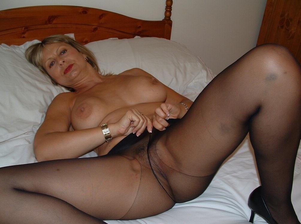 mature-erotic-sandy